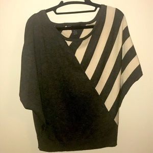 Grey and cream sweater - size S